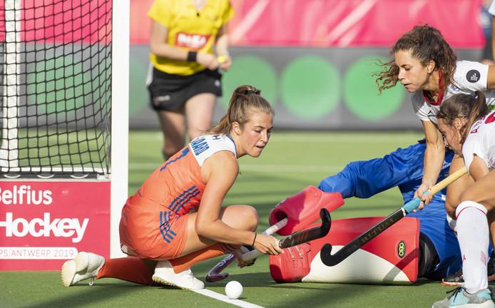 Xan de Waard in duel met Georgina Oliva.