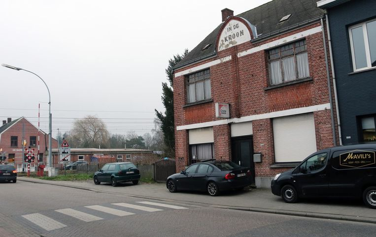 In dit huis, dat tot 2002 een café was, werd het lichaam van de 81-jarige Maria Boeckx gevonden.