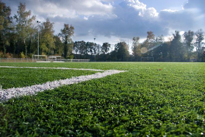 Als het sportpark van VV Heino is verlaten, zouden er drugsdeals plaatsvinden, zo bleek onlangs tijdens een rechtszaak.