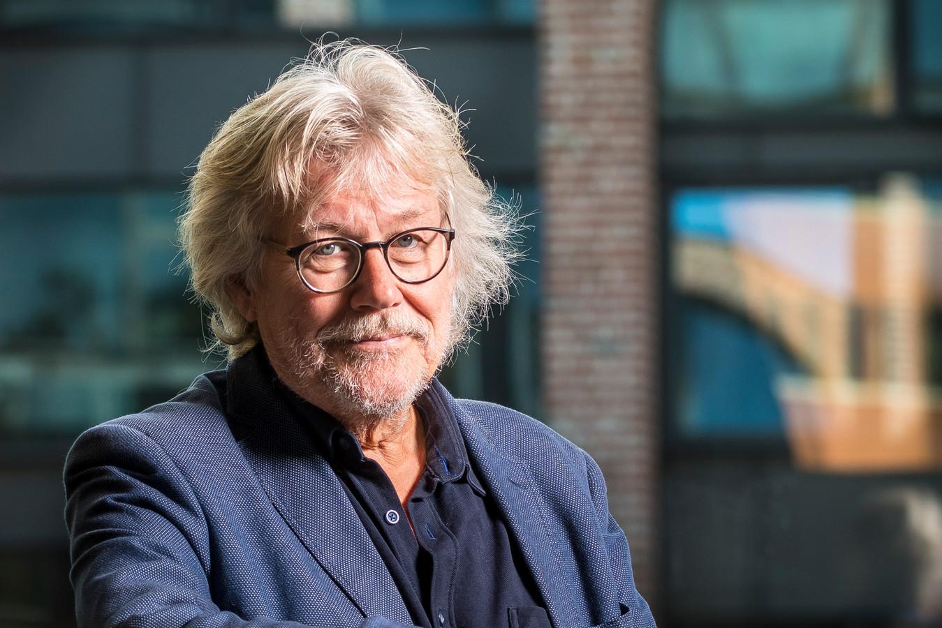 Milieuwethouder Henk Nijhof is het oneens met de uitlatingen van klimatoloog Ap Cloosterman dat het eigenlijk onzinnig is om in Nijverdal en directe omgeving windmolens te plaatsen.