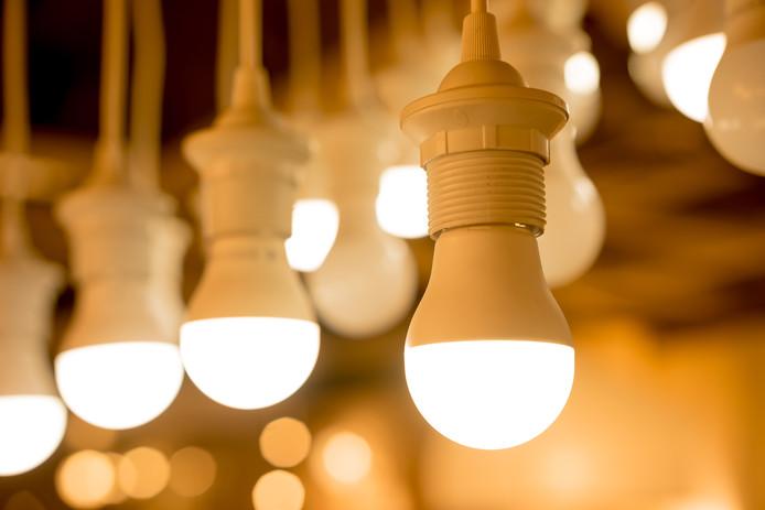 Led-verlichting is er inmiddels in vele kleuren. Wil je dat het niet te fel wordt, dan zul je volgens Hieke Grootendorst met een dimmer moeten werken.