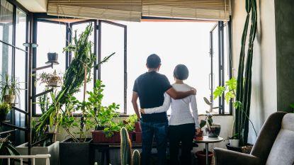 """Godelieve gaat voor het eerst in 40 jaar haar Filippijnse pennenvriend zien: """"Valt er een kus dan valt er een kus"""""""
