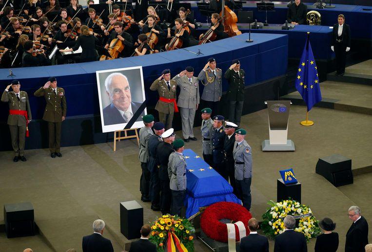 De kist van Helmut Kohl in het Europese parlement.