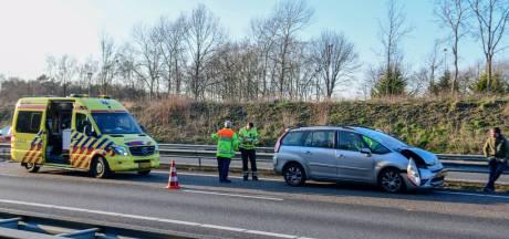 Ongeluk op A67 bij Geldrop en 3 auto's op elkaar bij Someren, rijstrook richting weer open