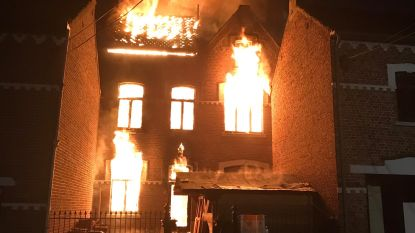 Oude smederij van Kerkom bij Sint-Truiden volledig vernield door hevige brand