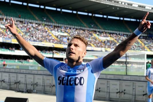 Ciro Immobile juicht na zijn doelpunt tegen Hellas Verona.