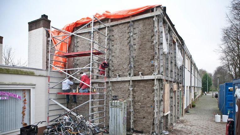 Sociale huurwoningen in de wijk Jeruzalem in de Watergraafsmeer worden gerenoveerd. Beeld FLORIS LOK