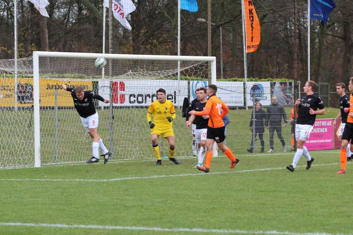 Nivo Sparta, spelend in het zwart, pakte drie punten in Zeeuws-Vlaanderen.