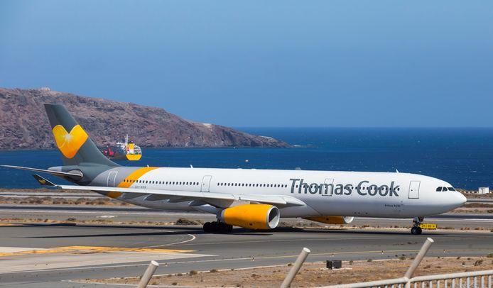 Een vliegtuig van Thomas Cook in Las Palmas op de Canarische eilanden.