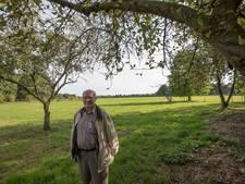 Piet Hendriks (83) uit Casteren waarschuwt: oorlogsprojectielen moeten uit grond