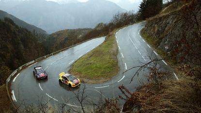 Sébastien Loeb en Kevin Hansen racen door de haarspeldbochten van Alpe d'Huez