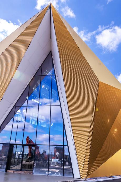 In dit spiksplinternieuwe en zwaarbeveiligde gebouw in Houten wordt al ons muntgeld gemaakt