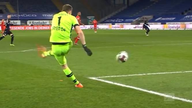 Courtois achterna: Leverkusen-doelman Hradecky tekent voor wel erg pijnlijke owngoal