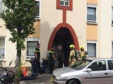Verwarde man in Duindorp die dreigde straat in vuur en vlam te zetten overmeesterd en afgevoerd