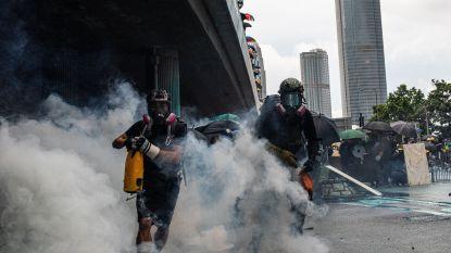 Opnieuw honderden betogers op straat in Hongkong, politie antwoordt met rubberen kogels en traangas