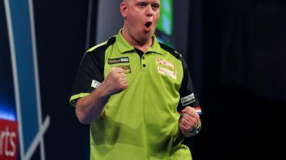 'Mighty Mike' houdt Duitser Hopp af op WK darts, tweevoudig wereldkampioen Anderson overleeft nipt sensationeel duel