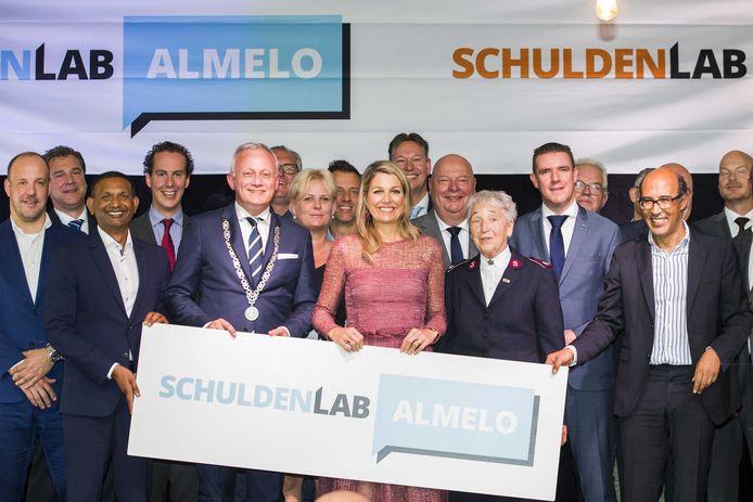 De start van het Schuldenlab in Almelo, waarbij koningin Maxima aanwezig was.