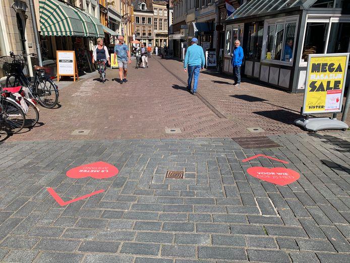 Begin mei werd er een test uitgevoerd met de hartenstickers op de Sprongstraat in Zutphen.