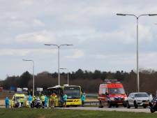 IC-bus met coronapatiënten heeft pech, zieken met ambulances en traumahelikopter naar ziekenhuis gebracht
