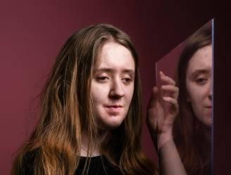 Joëlle heeft minstens 32 halfbroers en -zussen. Op haar zestiende ontmoette ze haar donorvader voor het eerst