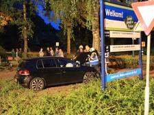 Automobilist botst tegen boom in Mariahout