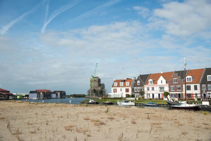 In Harderwijk wordt flink doorgebouwd, zoals hier in het Waterfront. Het aanbod beschikbare huizen is echter beperkt.