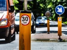 Ludieke 30-km sticker zaait verwarring op '50'- wegen: 'Krankzinnig als je hieraan meewerkt'
