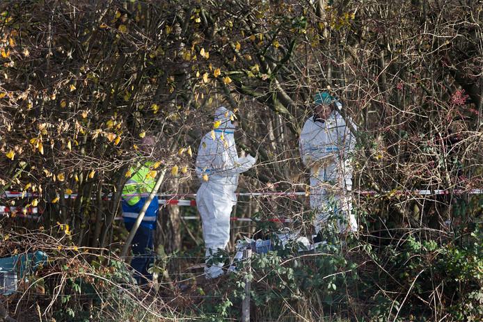 Politie-onderzoek na de vondst van het menselijk skelet in Hummelo.
