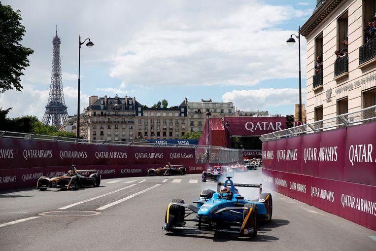 In hartje Parijs werd in mei een Formule E-race verreden. Beeld AFP