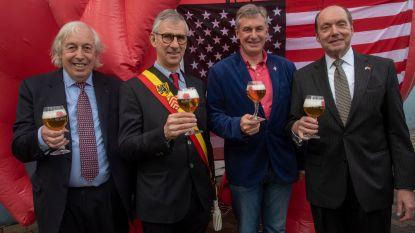 Amerikaanse ambassadeur bezoekt op eigen vraag Huyghe, de brouwer van zijn favoriete bier Delirium