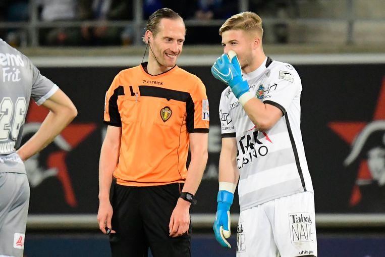 Jackers dolt even met ref Wim Smet.