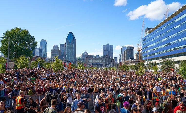 Beelden van de klimaatbetoging in Montreal.