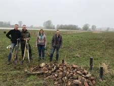 Asbest en puin aan de IJssel bij Zwolle: 'Hier zit een luchtje aan'