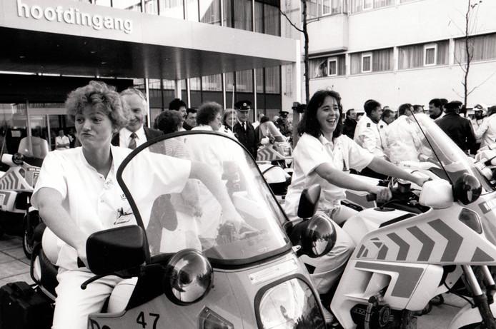 Verhuizing vanSint Josephziekenhuis Veldhoven (7-12-1990).