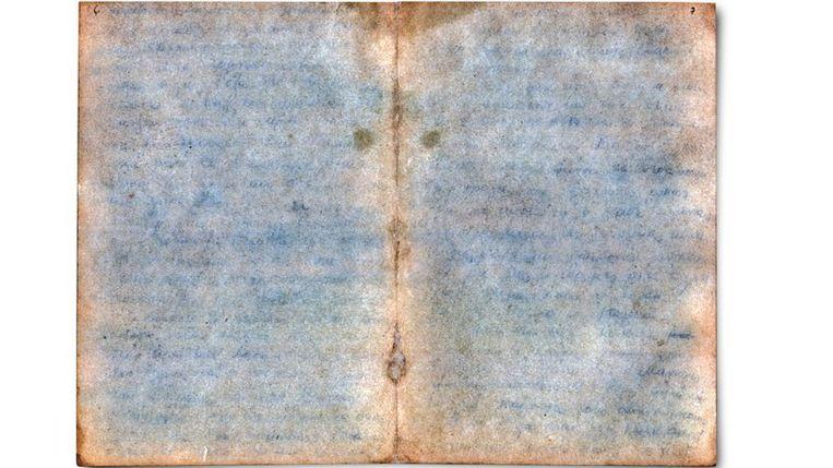 De brief was na al die jaren onleesbaar door vochtinsijpeling.