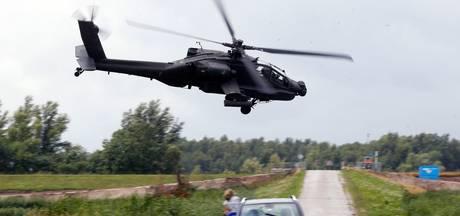Leger vliegt 'zeer laag' boven de regio met F16's en heli's