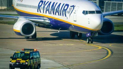 Negen Nederlandse piloten eisen miljoenen euro's schadevergoeding van Ryanair