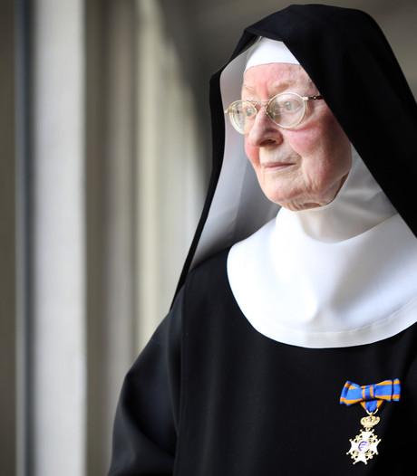 Zuster Lucie is benoemd tot Ridder in de Orde van de Nederlandse Leeuw