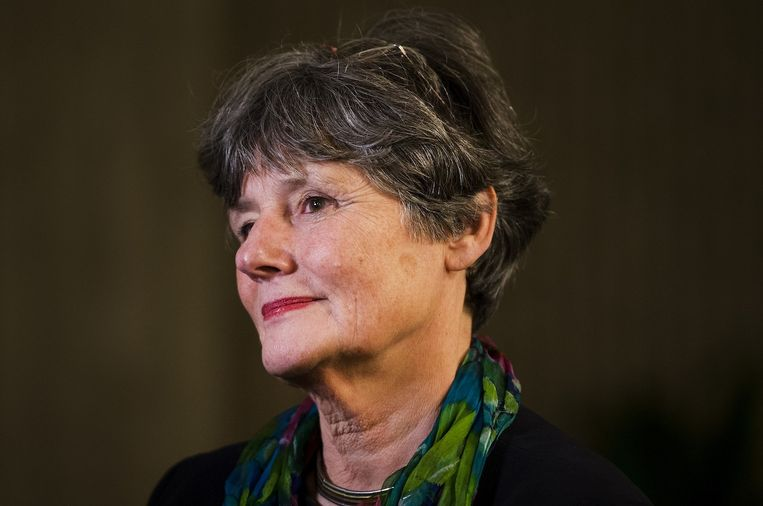 Louise Gunning, de voorzitter College van Bestuur van de Universiteit van Amsterdam staat de pers te woord na afloop van de uitspraak in de rechtbank over de bezetting van het Bungehuis. Beeld anp