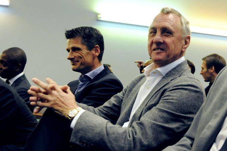 Wim Jonk (l) voert bij Ajax de plannen van Johan Cruijff (r) uit. Beeld PRO SHOTS