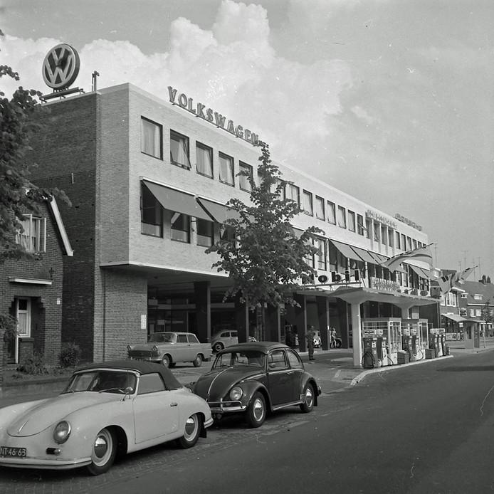 Volkswagen-garage aan de Leenderweg in Eindhoven