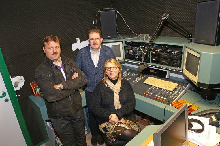 Mario Claes, Bart Van Mol en Sarina Claes trekken op 31 december de stekker uit Radio AVO.