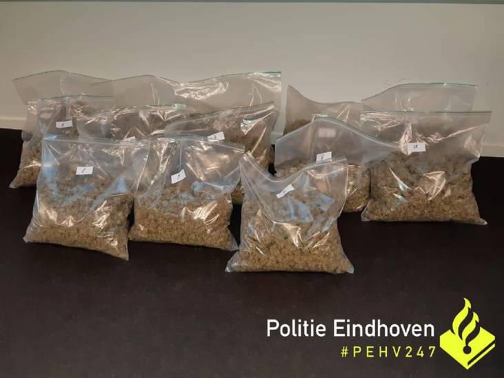 13 kilo henneptoppen gevonden bij kwekerij in huis in Eindhoven, 3 mannen opgepakt