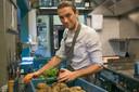 Chef Guy De Jonghe van restaurant Nova start met culinaire fastfood in deze tweede lockdown voor de horeca.