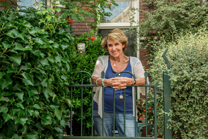 Yvonne Keuls thuis in Den Haag.