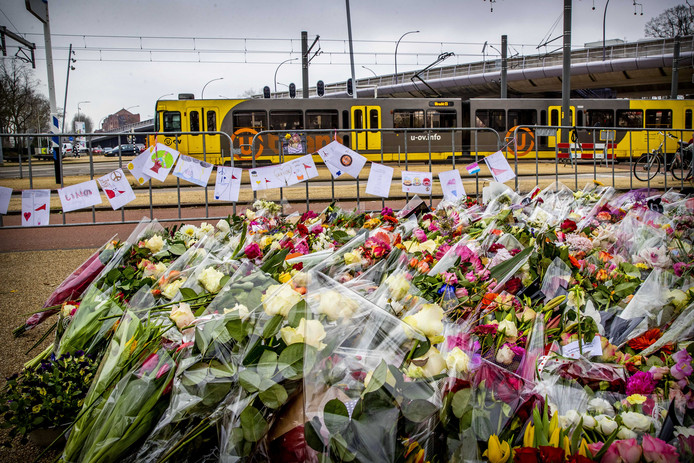 Jonge Doetinchemmers willen samen met andere inwoners van de Achterhoek vrijdagavond een groot hart vormen op het Simonsplein ter ondersteuning van de slachtoffers van de aanslag in Utrecht.