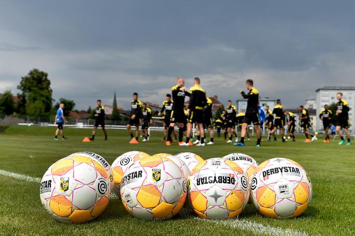 Vitesse verblijft in Oostenrijk. Daar zal de nieuwe Nigeriaanse aanvaller Hilary Gong zich vrijdagavond bij de groep voegen.