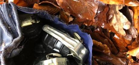 Man wandelt paar honderd meter met tas vol gevaarlijke handgranaten in Ede, besluit toch de politie te bellen