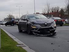 Drie auto's beschadigd bij botsing in Arnhem