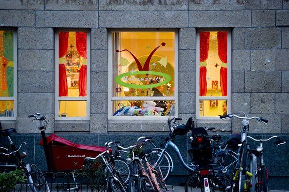 Het kinderdagverblijf 'het Hofnarretje' aan de Van Woustraat in Amsterdam.
